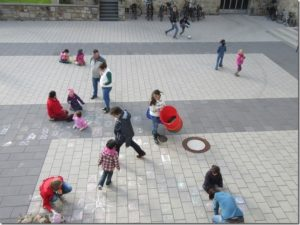 Kinderbetreuung beim Kleiderbasar